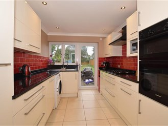 4 bedroom semi-detached house in Epsom