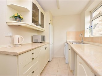 3 bed semi-detached house in Chessington