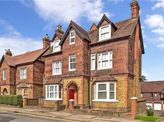 1 bedroom ground floor apartment in Reigate