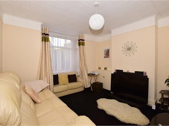2 bedroom semi-detached house in Earlswood