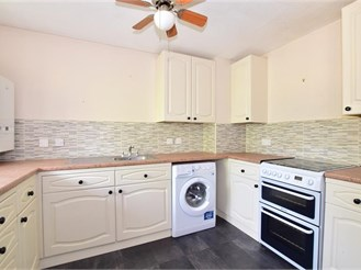 2 bed first floor apartment in Eynsford
