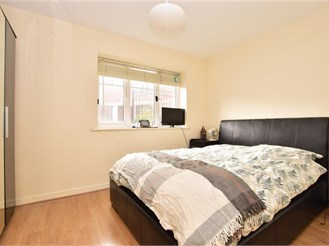 1 bedroom ground floor apartment in Morden