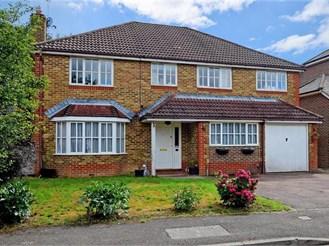 5 bedroom detached house in Southwater