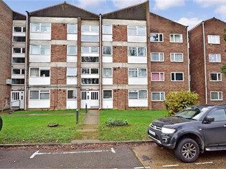 2 bedroom second floor apartment in Southgate, Crawley