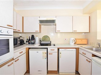 2 bed first floor retirement flat in Folkestone