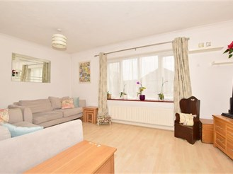 2 bedroom ground floor apartment in Southgate, Crawley