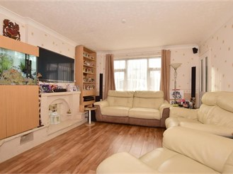 3 bedroom terraced house in Furnace Green, Crawley