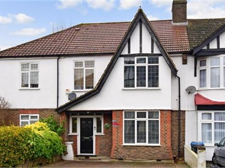 4 bedroom terraced house in South Croydon