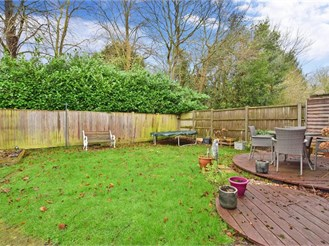 3 bedroom semi-detached house in Dunsfold, Godalming