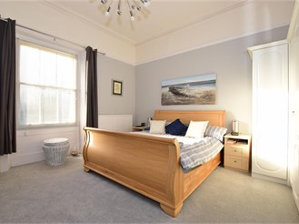 4 bedroom top floor apartment in Ryde