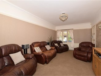 6 bedroom detached house in Chipstead, Coulsdon