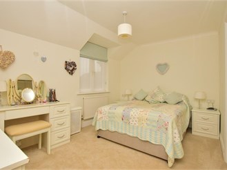 2 bedroom town house in Pulborough