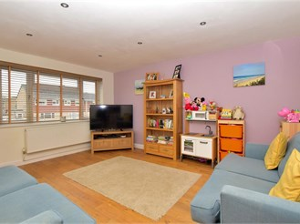 3 bedroom semi-detached house in Southwater