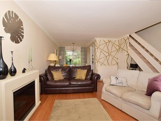 2 bedroom terraced house in East Grinstead