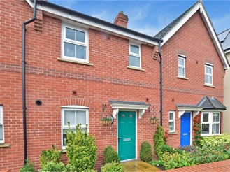 3 bedroom terraced house in Dorking