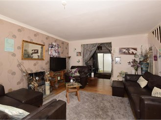 3 bedroom end of terrace house in Forestdale, Croydon