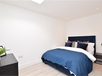 1 bedroom first floor apartment in South Croydon