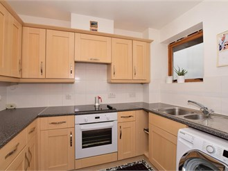 1 bedroom top floor flat in Croydon