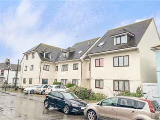 2 bedroom ground floor flat in Littlehampton