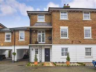 5 bedroom town house in Kings Hill, West Malling
