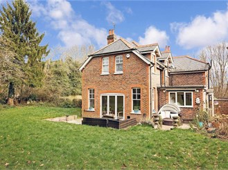 3 bedroom semi-detached house in Capel, Dorking