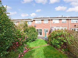 2 bedroom terraced house in Pulborough