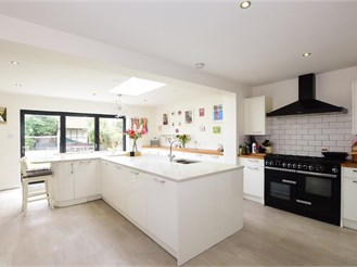 3 bedroom detached house in Walberton, Arundel