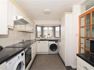 4 bedroom link-detached house in Sutton