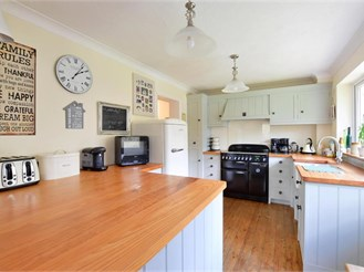 5 bedroom detached house in Uckfield
