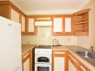 1 bed ground floor retirement flat in Reigate