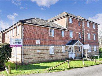 2 bedroom second floor flat in Waterlooville