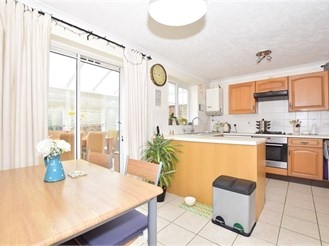 3 bedroom semi-detached house in Southwater, Near Horsham