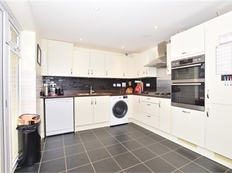 4 bedroom semi-detached house in Burgess Hill