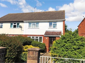 3 bedroom semi-detached house in Langley Green, Crawley