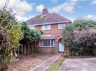 3 bedroom semi-detached house in Faygate, Horsham