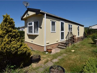 1 bedroom park home in Harrietsham, Maidstone