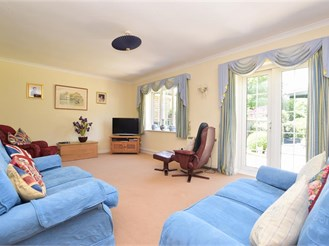 3 bedroom semi-detached bungalow in Rudgwick, Horsham