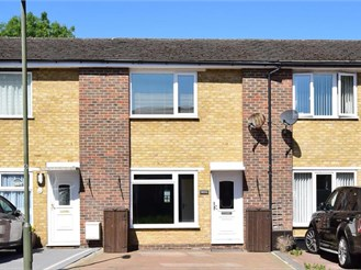 2 bedroom terraced house in Lower Kingswood, Tadworth
