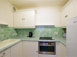 2 bed first floor retirement flat in Chichester