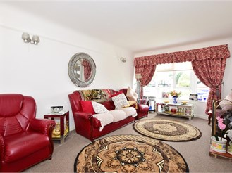 4 bedroom semi-detached house in Nutbourne, Chichester