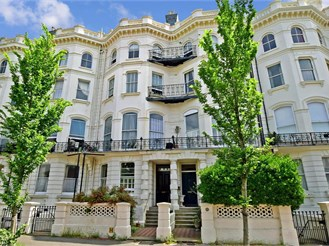 2 bedroom ground floor apartment in Brighton