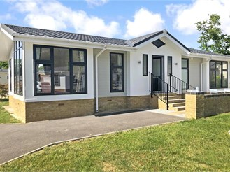 2 bedroom park home in Brooks Green, Horsham