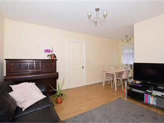2 bedroom end of terrace house in Reigate