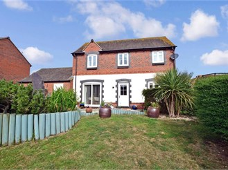 4 bedroom detached house in Selsey