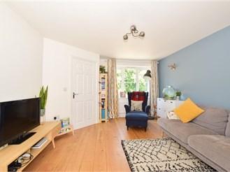 3 bedroom semi-detached house in Burgess Hill