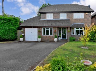 5 bedroom detached house in Hawkhurst