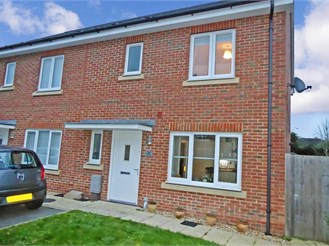 3 bedroom end of terrace house in Waterlooville