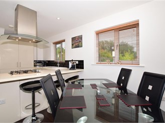 3 bedroom barn conversion in Lower Kingswood, Tadworth