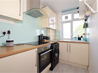 2 bedroom first floor maisonette in London SM6
