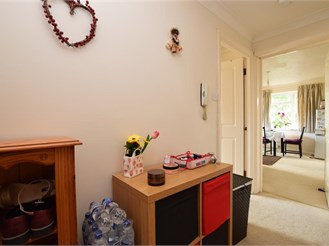 1 bedroom second floor apartment in Redhill